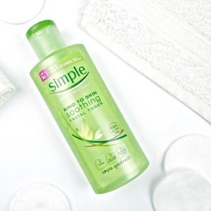 Nuoc-hoa-hong-Simple-Soothing-Facial-Toner-200ml-cua-Anh-10
