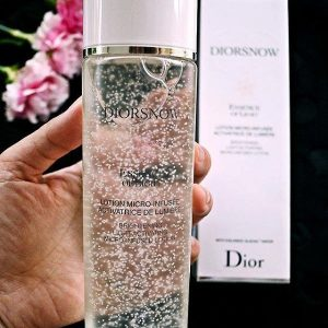 nuoc-than-dior-essence-of-light-logo