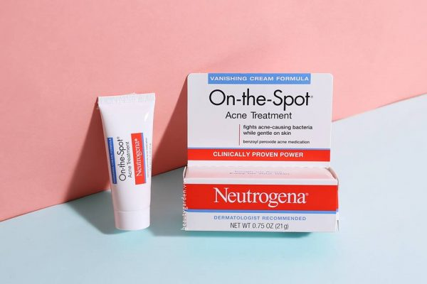 Kem-tri-mun-Neutrogena-On-The-Spot-Acne-Treatment-21g-cua-my-5