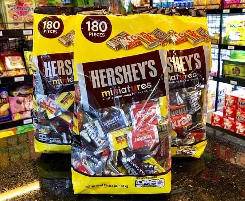 Kẹo chocolate Hersheys Miniatures giá bao nhiêu? Mua ở đâu chính hãng?