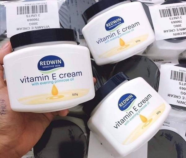 Kem dưỡng da mềm mịn Redwin Vitamin E Cream 300g 1
