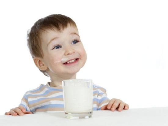 Cách pha sữa bò non Úc Colostrum Milk Powder 300g cho bé 4