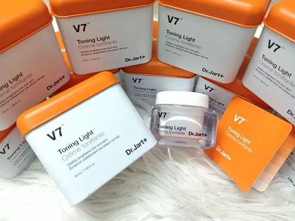 Kem dưỡng trắng da V7 Toning Light Dr Jart+ chính hãng 9